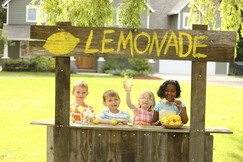 Children with lemonade stand